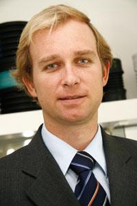 Plástico moderno, Bruno Sommer, Responsável pela área de extrusão da KrausMaffei, Brasilplast 2011 - Extrusoras - Investimentos em alta favorecem as máquinas de maior eficiência