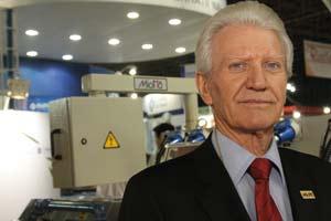 Plástico Moderno, Enrico Miotto, Brasilplast 2011 - Extrusoras - Cresce a oferta de alta tecnologia