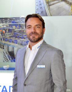 Plástico Moderno - Atienza: automatizar permite ampliar produção e qualidade